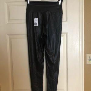 Black ankle leggings